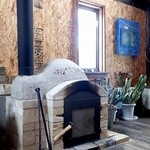 32607224 - 階下の薪ストーヴ;薪の爆ぜる音と煙の香りがノスタルジー @2014/11/15