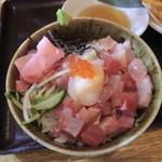 魚彦 - 海鮮丼