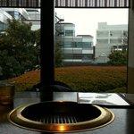 福寿 - テーブル越しの風景