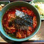 福寿 - カルビラーメンセット(キムチ、サラダ付 850円)