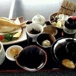 32611767 - しお香御膳(鯛飯/サザエの刺身を鯛の刺身に変更)
