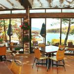 レストラン ル・プラトー - 店内から女神湖