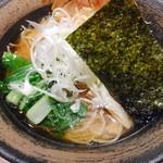 麺屋 空海 - 空海そば(醤油)トッピング:白ネギ