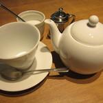 ルセット - 紅茶は急須っぽいポットでの提供
