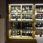 Sola - ワインと並んで、獺祭、久保田、八海山…