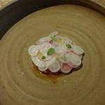 Sola - 鮪の刺身、イベリコ豚の生ハム、ラディッシュ、大根
