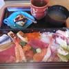 魚信家 - 料理写真:ドでかちらし¥1080-