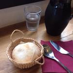 messo - このパンは美味しい、隣の席のご夫婦も美味しいと言われていました