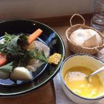 messo - パンとカボチャスープとメインの塩豚と季節野菜のポトフ