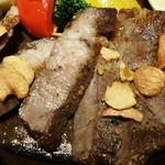 リリオ - イベリコ豚の肩ロース鉄板焼き1,600円