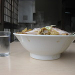 32622583 - 麺も多いけど、具の量が半端ではない!