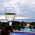 Royal Club Lounge - ハッピーアワー ワイン