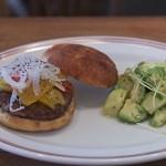 カフェ ルーツ - ルーツバーガー&アボガドポテトサラダ