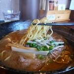 32629379 - 醤油ラーメン(麺)