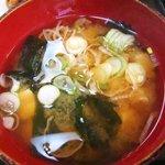 3263067 - 来々軒食堂 @佐野 豆腐と若布の味噌汁