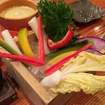 旬魚季菜 とと桜 - 農園バーニャカウダ 680円