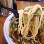 味よし - 麺はこんな感じ 角太麺で相性良い