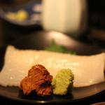 蕎麦・酒・料理 壱 - イカ刺しを肝と山葵とで頂きます。かなりな珍味@@