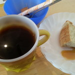 オールスターキャスト - ランチセットのドリンクとケーキ