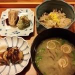角 倉 - 揚げ物、焼き物、むかごごはん、味噌汁