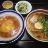 中華料理 北京 - 料理写真:ラーメンと天津丼セット