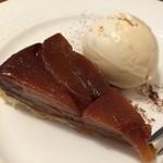 ピッツェリア ピッキ - この日のデザートはタルトタタン。ランチコースのデザートとは思えない完成度です!