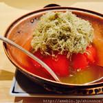 エプロン - トマトとトロロ昆布