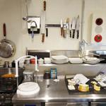 フェルミエ - カウンターから見えるキッチン