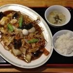 吉伝 - あんかけやきそば・むし麺(930円)