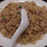 広州厨房 - ・チャーハンとワンタンスープ 790円(税抜き)