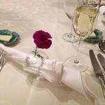 レストラン花の館 パラディ北野 - 素敵なナプキンホルダーです