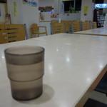 安達太良サービスエリア(上り線) レストラン・スナックコーナー - 早朝五時の店内(^^)
