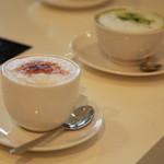 カフェ ホワイト -