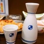 やき鳥 金富士 - 燗酒(男山 佳撰)