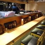 四代目ねかし 魚介とんこつ肉そば池袋西口店 - 店内(カウンター席)