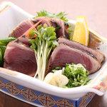 季禅房 - 【鰹のタタキ】 1,370円 高知を代表する郷土料理、焼きたてをお召し上がり頂けます。