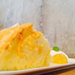 カフェ オブスキュラ - 柚子のシフォンケーキ