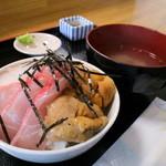 32672951 - 三色丼