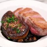 オー グー ドゥ ジュール - 鴨肉のローストとフォアグラ