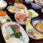 浜のママーズレスト おっかや - おまかせ膳 1200円(税込) (2014.11現在)