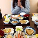 浜のママーズレスト おっかや - もりだくさんのお膳は、うれしくなります(^^)