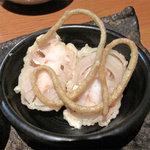 蕎麦 木曽路 - 蓮根にエビがゴロゴロ入ってるすり身を詰めて揚げたもの。