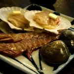 炙り家 かんたろう - 海鮮の盛合わせ♪ これだけは最初の一回だけ。