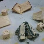 ルッコラ - チーズ盛合わせ♪