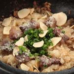和牛焼肉 青樹苑 - 肉の味ニンニク大好きな方に夜のみ提供
