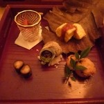 32690189 - 八寸…オムレツ出汁巻き 赤味噌デミグラスソース、姫サザエのエスカルゴバター焼き。などなど…