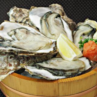 【生牡蠣】夏は岩牡蠣、冬は真牡蠣