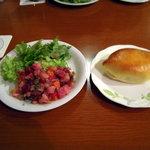 3270504 - ビーツのサラダとピロシキ