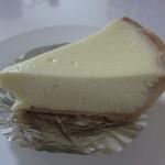 お菓子のゆりかご - チーズケーキ(380円)