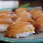 一峰 - 大島名物 べっこう寿司 1000円。